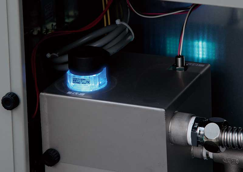 ●独自のUV殺菌ランプが水質を維持